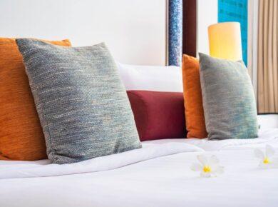 ak prać poduszki dekoracyjne?